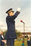 Photo en couleur du directeur lors du festival de 1987